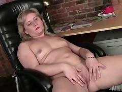 chubby mom